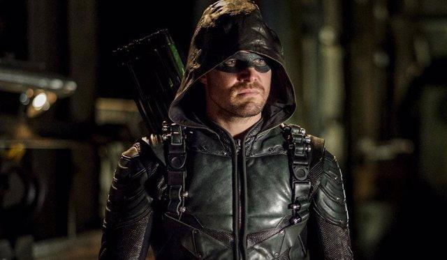 Imagen de Stephen Amell como Oliver Queen en Arrow