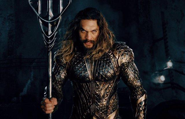 Imagen de Jason Momoa como Aquaman en Liga de la Justicia