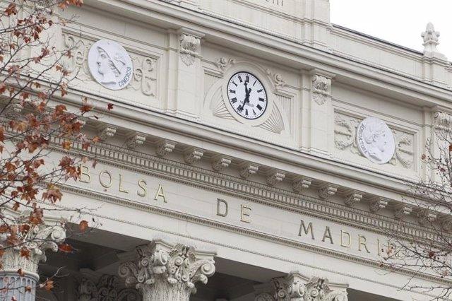 VÍDEO: Economía/Bolsa.- El Ibex 35 acelera su caída (-1,21%) a media sesión y pierde los 8.600 puntos