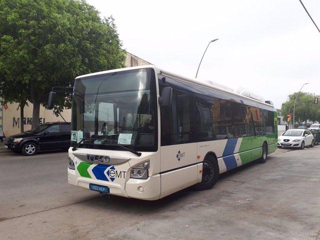 Un autobús de l'EMT.