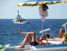 L'Open Arms abandona Lampedusa per dirigir-se cap a un port de Sicília (Friedrich Bungert/-/dpa)