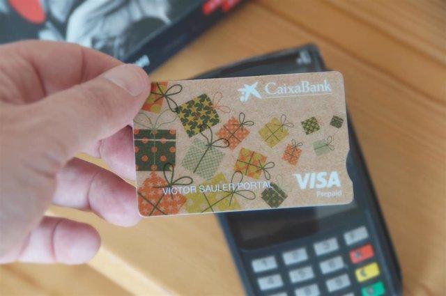 Ejemplo de las nueva tarjeta regalo biodegradables de CaixaBank
