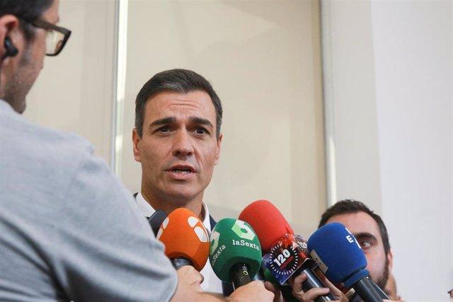 España.- Sánchez pone fin a sus vacaciones y el domingo asistirá a una cena del
