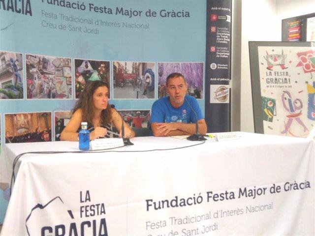 El concejal de Gràcia, Eloi Badia, y la presidenta de la Fundació Festa Major de Gràcia, Carla Carbonell
