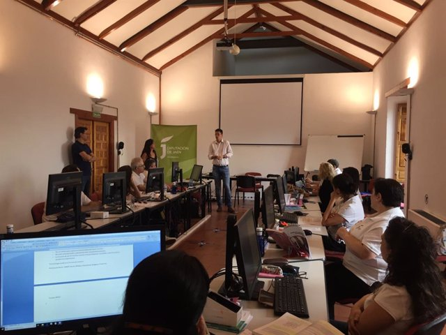 Visita al taller de empleo titulado 'Turismo Jaén Paraíso Interior'.