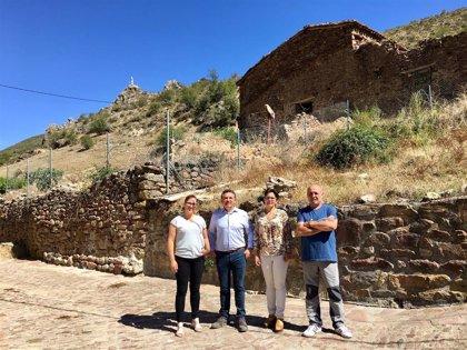 El Gobierno apoya la construcción en Viniegra de Arriba de un espacio cubierto para actividades deportivas y culturales