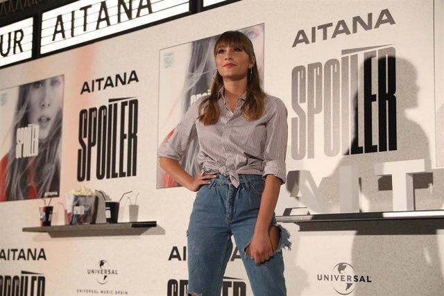 La cantante Aitana, durante la presentación de su disco 'Spoiler', en la Sala Equis de Madrid.