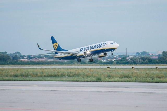 """R.Unido.- Ryanair opera """"con normalidad"""" todos sus vuelos desde y hacia Reino Un"""