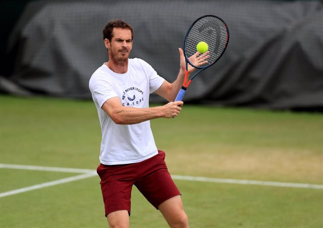 09 July 2019, England, London: British tennsi player Andy Murray in action during a practice session on day eight of the 2019 Wimbledon Grand Slam tennis tournament at the All England Lawn Tennis and Croquet Club. Photo: Mike Egerton/PA Wire/dpa