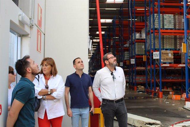 El delegado de la Junta de Castilla-La Mancha, Eusebio Robles, se interesa por los daños ocasio