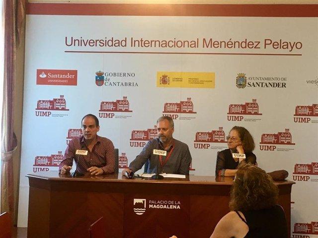 El dramaturgo Alberto Conejero, el vicerrector de la UIMP Andrés Hoyo y la actriz Rosario Pardo