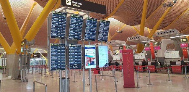 Imagen de recurso de las pantallas del aeropuerto de Adolfo Suárez Madrid-Barajas.