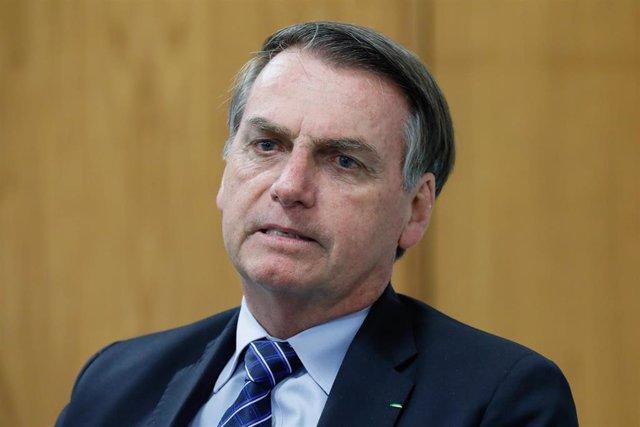 Brasil.- Bolsonaro critica la decisión de Macron de incluir los incendios del Am