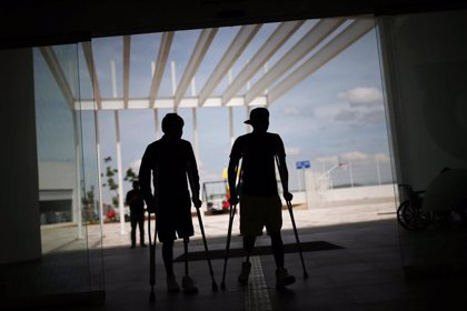 Migrantes supervivientes de 'La Bestia' aprenden de nuevo a caminar