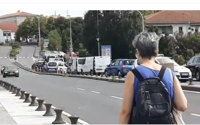 Imagen de retenciones en la frontera guipuzcoana con Francia con motivo de los controles por el G7 (archivo)