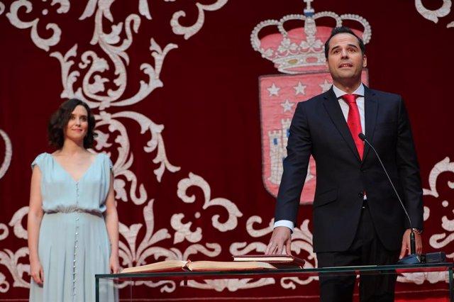 Imagen de archivo del vicepresidente de la Comunidad de Madrid, Ignacio Aguado, junto a la presidenta regional, Isabel Díaz Ayuso.