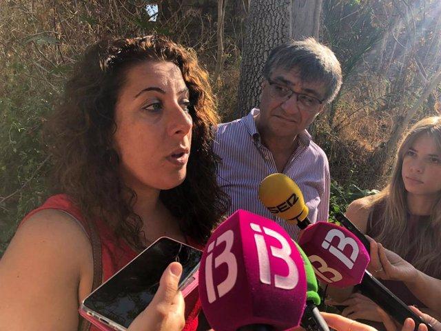 La regidora de Infraestructuras y Distrito Ponent, Angélica Pastor, atiende a los medios.