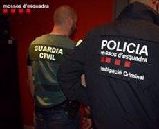 Recuperen 255 bombones de gas freó i desarticulen el grup criminal que les robava (MOSSOS D'ESQUADRA)