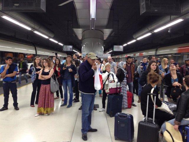 Retrasos en la estación de sants por una incidencia en trenes de rodalies y regional