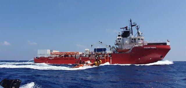 Barco de rescate 'Ocean Viking' de MSF y SOS Mediterranée