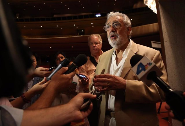 """September 16, 2013 - Los Angeles, California, United States: Placido Domingo talks to members of the press in the Dorothy Chandler Pavilion during a media event for """"Carmen"""" by the LA Opera, and conducted by Domingo. On August 13, 2019 it was reported tha"""