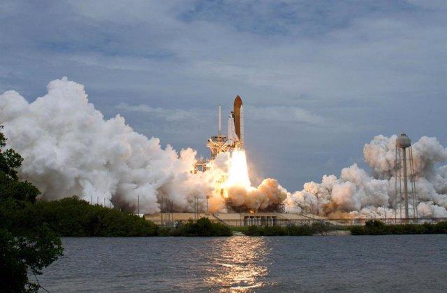 El estudio analizó datos recopilados ya en 2011, desde el último lanzamiento del transbordador espacial estadounidense que se muestra aquí.