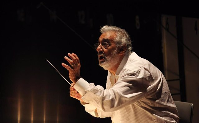 "September 16, 2013 - Los Angeles, California, United States: Placido Domingo conducts during a dress rehearsal for ""Carmen,"" by the LA Opera, at the Dorothy Chandler Pavilion. On August 13, 2019 it was reported that at least nine women, including eight si"