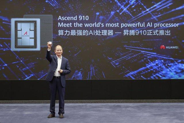 Eric Xu, presidente rotatorio de Huawei, durante la presentación del procesador Ascend 910 y la plataforma MindSpore