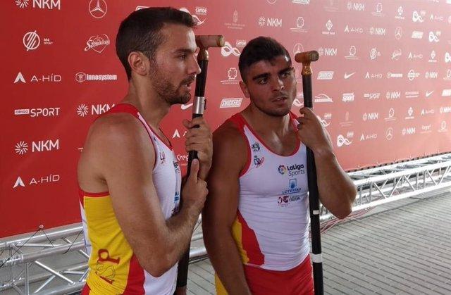 Los piragüistas españoles Alberto Pedrero y Pablo Graña.