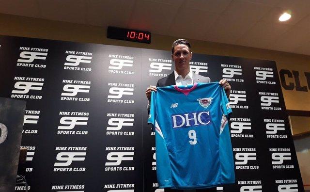 Fernando Torres con la camiseta del Sagan Tosu.