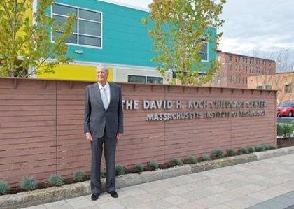 Estados Unidos.- Fallece el multimillonario estadounidense David Koch a los 79 años