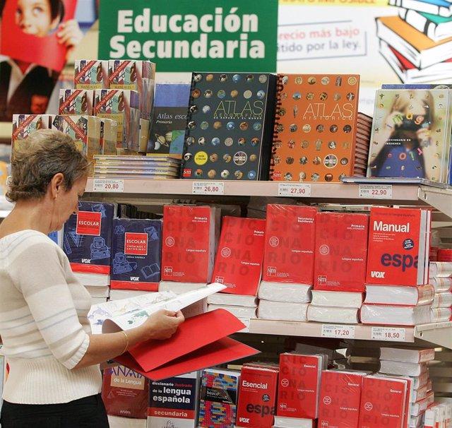 Vuelta al cole. Libros. Material Escolar. Compras. Colegio. Niños.