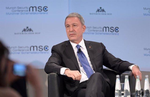 El ministro de Defensa de Turquía, Hulusi Akar
