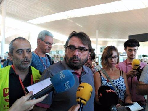 El secretario general de UGT de Catalunya, Camil Ros, en el Aeropuerto de Barcelona.