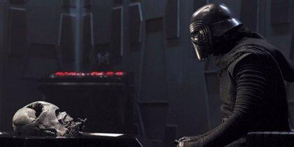 Darth Vader se deja sentir en el avance de Star Wars 9 filtrado en el D23