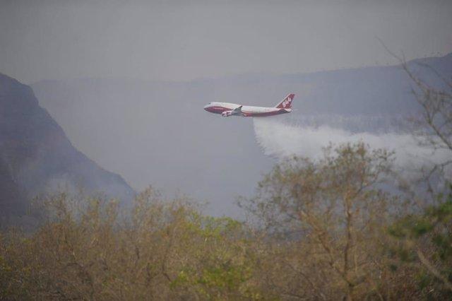 Avión Boeing 747 utilizado para sofocar el incendio en la Amazonía de Bolivia