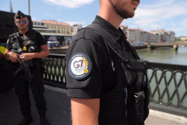 Foto de gendarmes en Bayona durante la cumbre del G7 en Biarritz