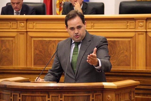 El presidente del PP C-LM, Paco Núñez, en el debate de investidura de Page