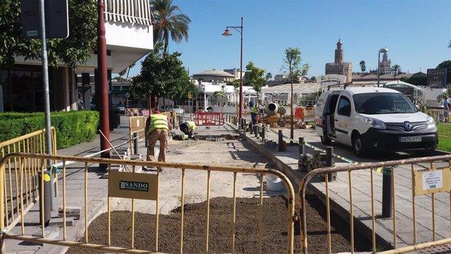 Ayuntamiento acomete la renovación del adoquinado de las calles Betis y Troya
