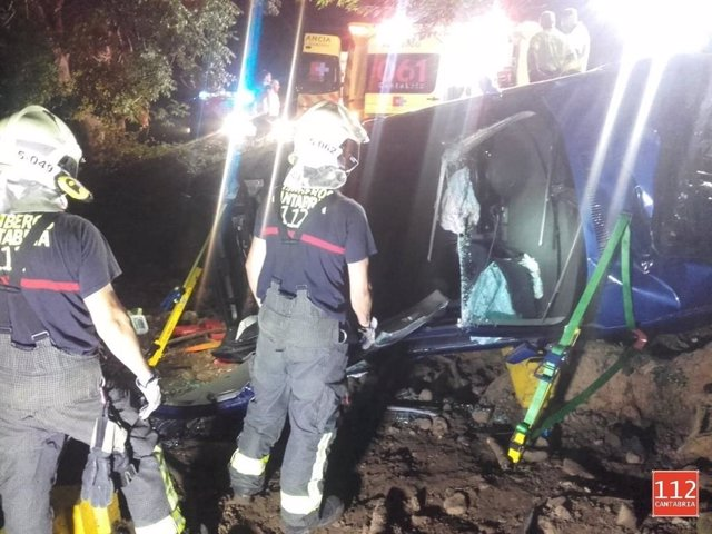 Bomberos 112 en un accidente en Cayón