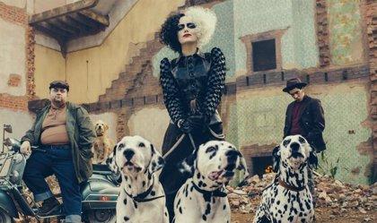 Primera imagen de Emma Stone caracterizada como Cruella de Vil