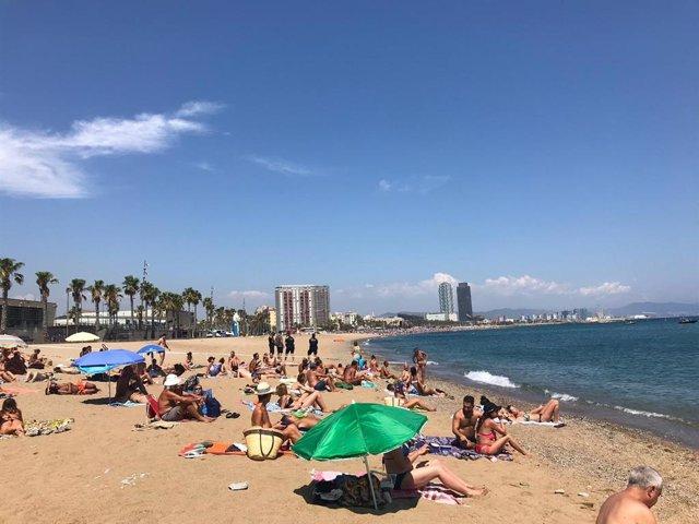 Perímetro en la playa de Sant Sebastià de Barcelona
