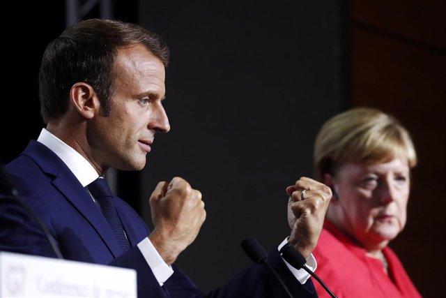 Emmanuel Macron y Angela Merkel en Biarritz, Francia, durante la cumbre del G7