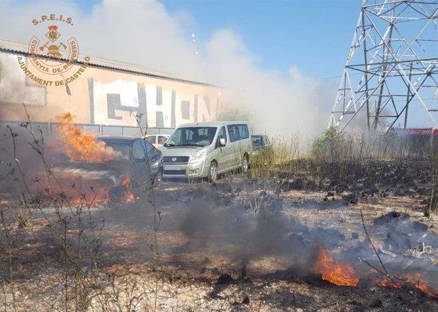 Incendio de cinco vehículos