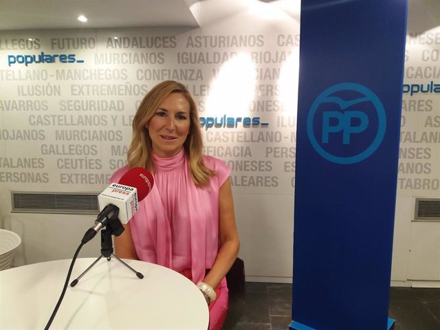 La presidenta del PP en Navarra y nueva vicesecretaria de Organización del Partido Popular, Ana Beltrán, durante una entrevista para Europa Press.