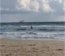 Un avión del ejército del aire cae al mar Mediterráneo