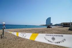 El projectil trobat a Barcelona es traslladarà amb globus a alta mar per a la seva detonació (@BCN_AJUNTAMENT)