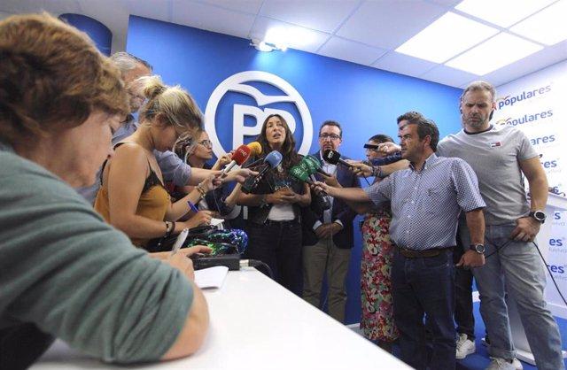Loles López, durante una comparecencia ante los medios en Huelva.