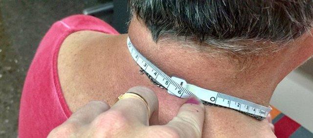 La medida de la circunferencia del cuello de los ancianos ayuda a identificar casos de desnutrición
