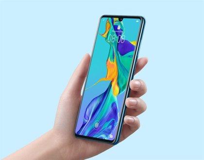 Portaltic.-Huawei prepara accesorios inalámbricos para el móvil adaptados al submarinismo y los videojuegos